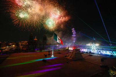 Presidente López Obrador encabeza Grito de Independencia desde Palacio Nacional