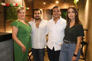 18092021 Mónica, Mario, Paulo y Sofía.