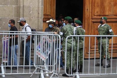 La FGR, 'elefante reumático'; padres de los 43 normalistas de Ayotzinapa reclaman falta de avances