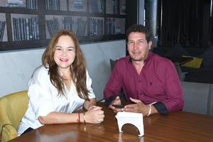 27092021 Sabrina Jiménez y Sergio Silveira.