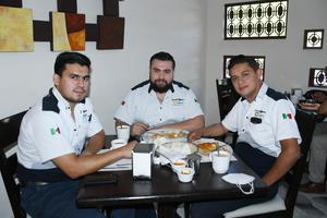 28092021 Carlos, Enrique y Daniel Lara.