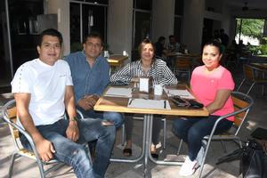 28092021 Daniel, Gabriel, Gabriela y Gloria.
