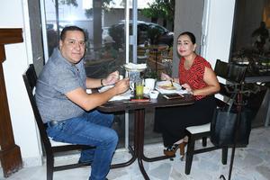 28092021 Víctor y Diana.
