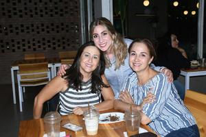 30092021 Gabriela, Adriana y Adri.