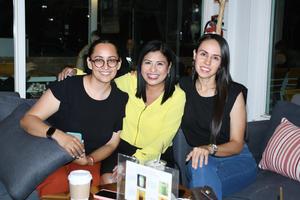 30092021 Paulina Herrera, Olea Gaitán y Karla Arzola.