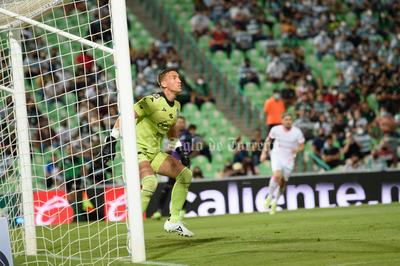 En deslucido juego, Santos derrota al Mazatlán FC y vuelve a puestos de reclasificación