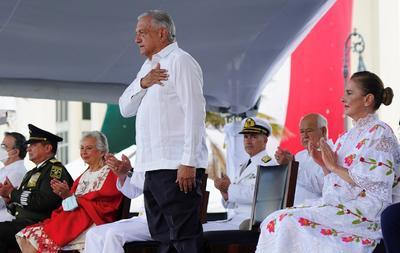 López Obrador encabeza conmemoración del Bicentenario de la Creación de Armada de México