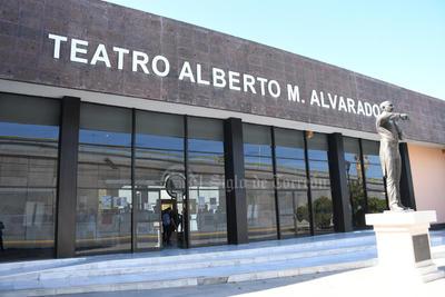 Sofía de los Ángeles Arguijo comparte su arte en el Teatro Alberto M. Alvarado
