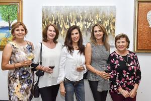 08102021 DISFRUTAN DEL ARTE Y VINO.  Olga, Gaby, Angélica, Claudia y Graciela.