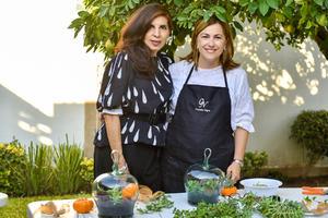 10102021 COMPARTEN AMOR POR LA JARDINERíA.  Connie Dávila y Cristina González.