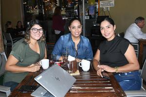 11102021 Tere Morales, Rosa Luz Vaca y Sandra Torres.