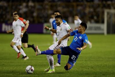México vence a El Salvador y se coloca en cima del octogonal final de Concacaf para Mundial de Qatar 2022