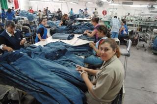 En riesgo 100 mil empleos de la Industria del Vestido