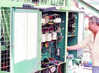 Fallas en electricidad, aquejan a la industria