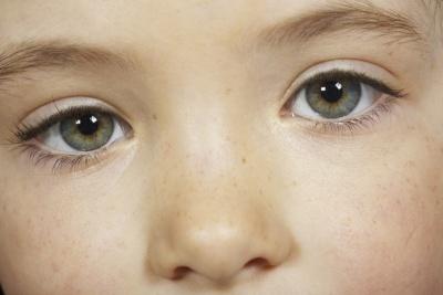¿Cómo identificar a un niño autista?