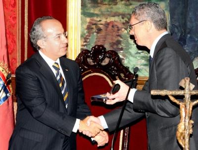 Entregan las Llaves de Oro de Madrid  a FCH