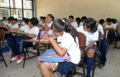 Diseñan material de inglés para alumnos