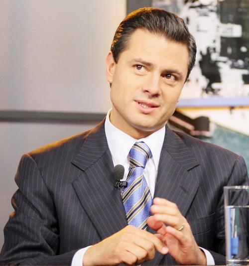 Confirma Peña Nieto noviazgo con Angelica Rivera