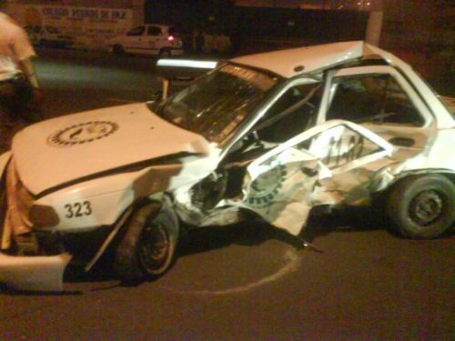 Muere taxista al dar vuelta equivocada
