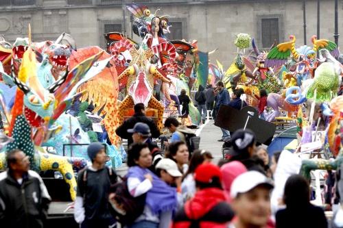 Realizan Tercer Desfile de Alebrijes en México