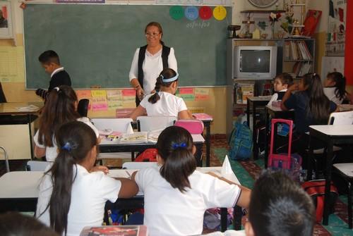 Liderazgo de directivos escolares, un factor de mejora educativa