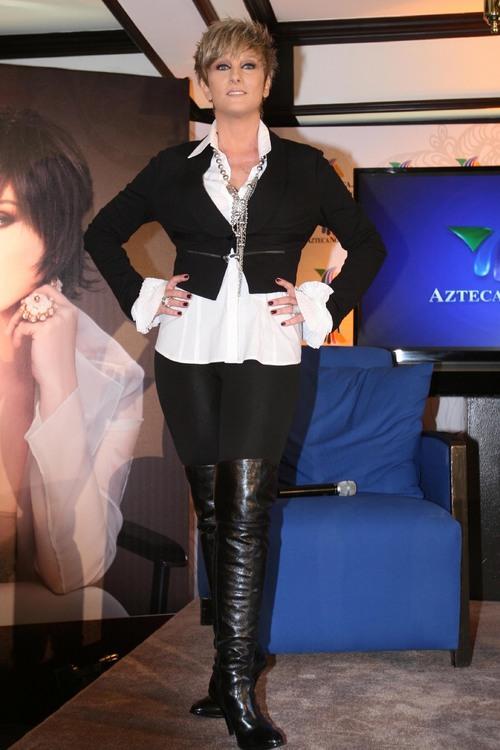 Alma delfina actriz mexicana ensenando las tetas - 3 part 7