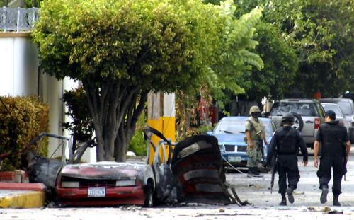 Estallan dos coche bomba en Televisa y Tránsito en Tamaulipas