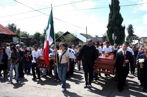 Velan a alcalde de Tancítaro en plaza