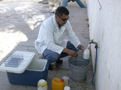 Contaminada el agua que sale por las llaves la i laguna for Imagenes de llaves de agua