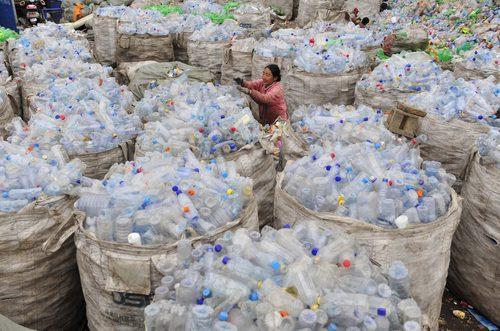 En México Las botellas de PET, es decir, de polietireno, son una