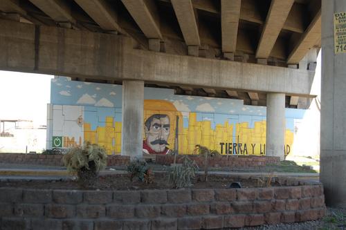 Jovencita realiza mural en el centenario for Club joven mural