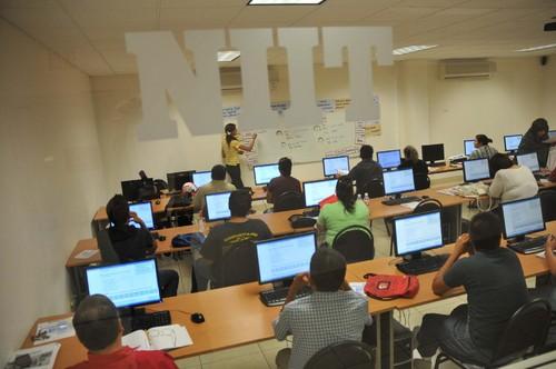 Retiene Estado recursos de beca a estudiantes del NIIT