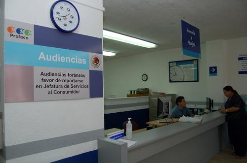 Lanzan tel fono del consumidor en l nea en m xico for Telefono oficina del consumidor