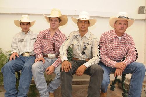 Los Vaqueros de Brasil, listos para reto de Cuernos Chuecos