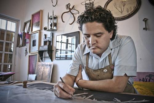 Impartirá un taller de grabado y libro de artista en su estudio