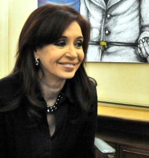 Caída de Cristina Kirchner causa revuelo en medios