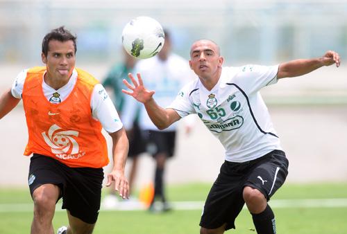 Feliz Escoboza por debut en Primera