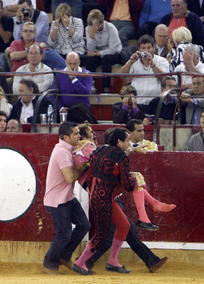 fuera de dominatriz córneo en Zaragoza