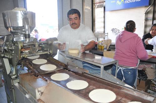 Mantendrán bajo precio de tortillas