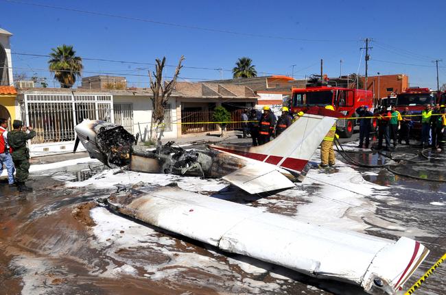 Cae avioneta en Torreón; un muerto