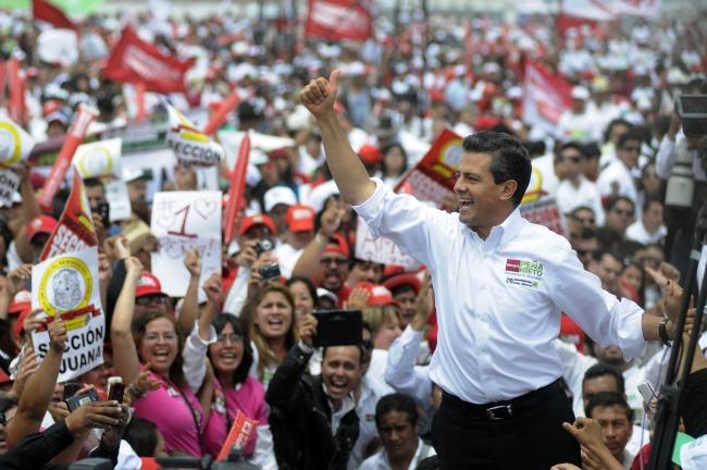 Empresa de contactos sexuales utiliza a Peña Nieto