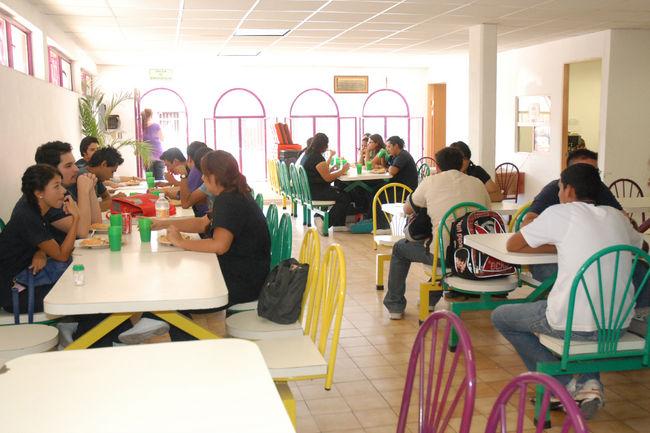 Ofrecen platillos a bajo costo for Comedor estudiantil