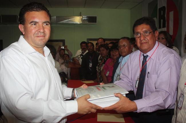 Obtienen dictamen de precandidatos por el PRI