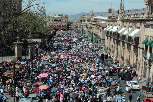 Decreta Peña Nieto reforma educativa