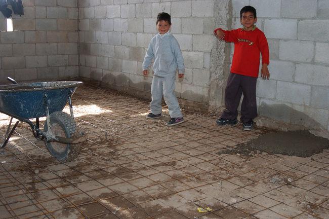 Buscan eliminar pisos de tierra for Nivelar piso de tierra