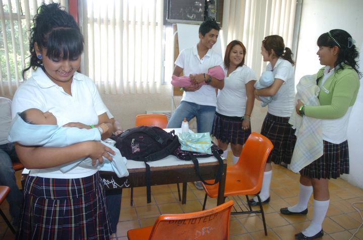 Por embarazos sube la deserción escolar / Nacional