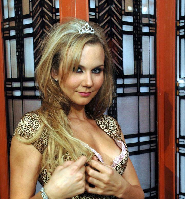 Michelle Vieth Nude Photos 5