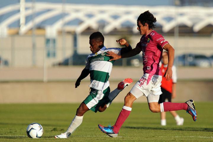Se estrena Junior Lacayo con dos goles