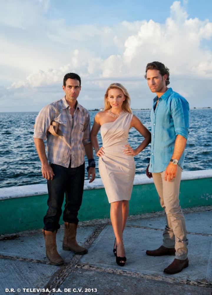 ... Televisa Lo que la vida me robó junto a Angelique Boyer y Sebastián