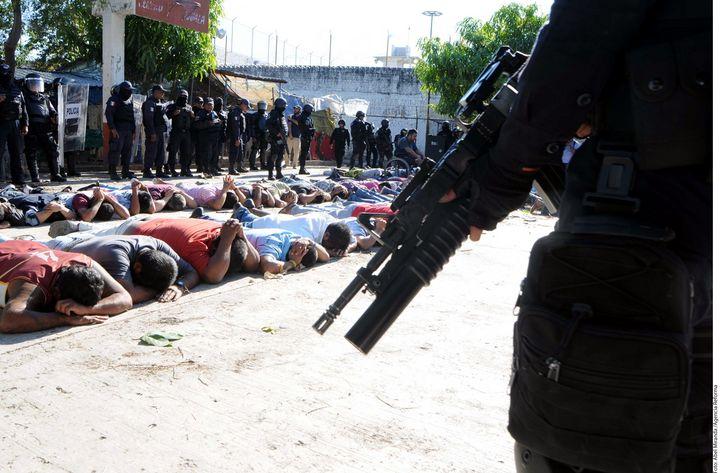 Irrumpen Cereso y matan a 9 en Iguala